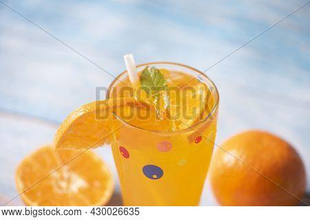 Summer Drink Juicy Orange Slice, Exotic Summer Drinks Refreshing Of Cold Drinks Glasses Fresh Fruit