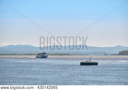Khabarovsk, Russia - Sep 13, 2020: Flood On The Amur River Near The City Of Khabarovsk. The Level Of