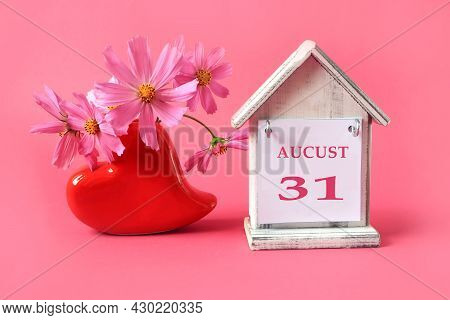 Calendar For August 31 : The Name Of The Month Of August In English, The Number 31, A Cup Of Tea, Bo