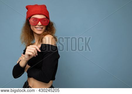Attractive Happy Smiling Young Blonde Woman Wearing Everyday Stylish Clothes And Modern Sunglasses I