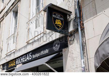 La Rochelle , Aquitaine France - 08 15 2021 : Stade Rochelais Boutique Official Logo Sign France Sto