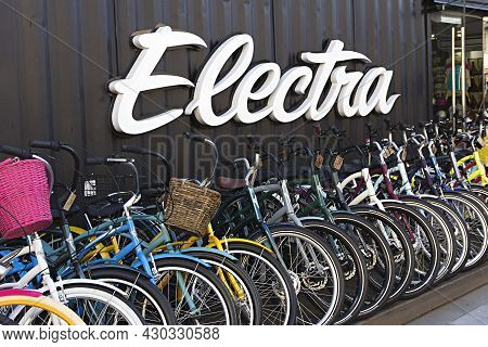 Saint-petersburg, Russia - August 04, 2021: Row Of Electra Bicycles Standing Outdoors For Sale At Lo