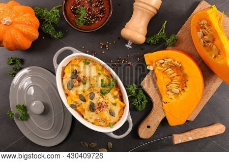 pumpkin gratin with cream and cheese