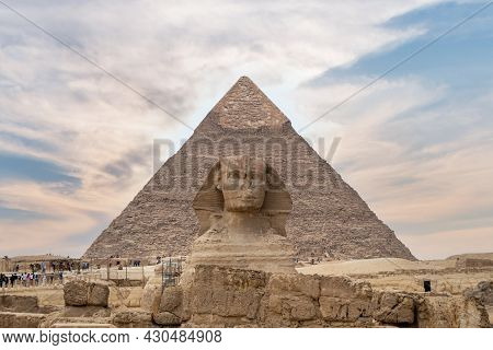 Giza, Egypt - April 20, 2020: The Pyramid Of Chephren And The Great Sphinx Of Giza, Egypt