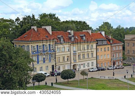 Warsaw - Poland. 27 July 2019: Beautiful Architecture In Warsaw, Poland. Busy Traffic In Capital Of