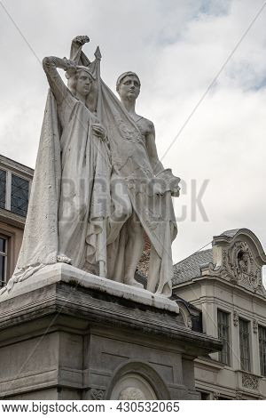 Gent, Flanders, Belgium - July 30, 2021: Closeup Of Male-female Combination White Statue On Pedestal