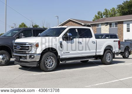 Kokomo - Circa August 2021: Ford F-350 Display At A Dealership. The Ford F350 Is Available In Xl, Xl