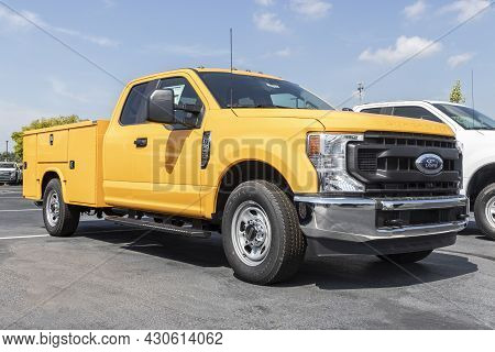 Indianapolis - Circa August 2021: Ford F-350 Specialty Truck Display At A Dealership. The Ford F350