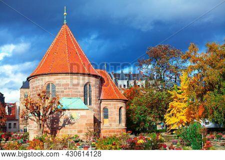 Saint Johannis Kirche In Nuremberg . Graveyard In The Autumn Season . Church Of St. John In Bavaria