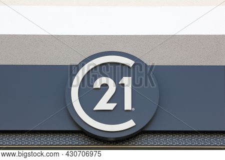 Belleville, France - August 23, 2020: Century 21 Logo On A Wall. Century 21 Real Estate Is An Americ
