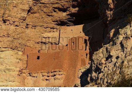 Amazing Well Preserved Montezuma Castle Cliff Dwellings.