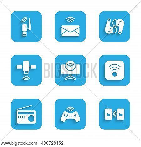 Set Smart Tv System, Wireless Gamepad, Data Transfer And Storage, Wi-fi Wireless Internet, Radio, Sa