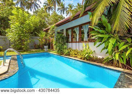 Sri Lanka - Nov 2, 2017: Nice Pool In Backyard Of Luxury Tropical Hotel Or Residential House. Beauti