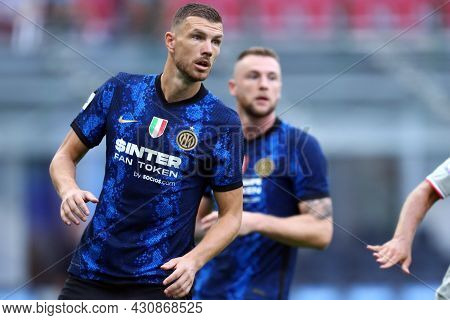 Milano, 21 August 2021. Edin Dzeko Of Fc Internazionale  Looks On During The Serie A Match Between F