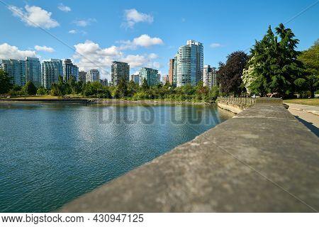 Coal Harbor Seawall Vancouver. The Vancouver Skyline Along The Stanley Park Seawall Across Coal Harb
