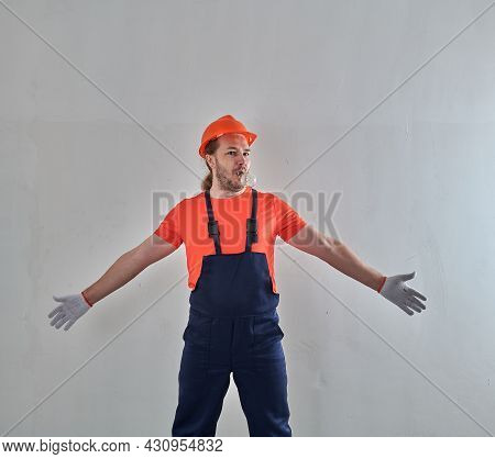 The Plumber Is Surprised By The Renovation In The Apartment