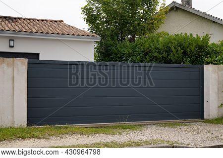 Grey Dark Slide Home Steel Door Sliding Aluminum Gate Slats