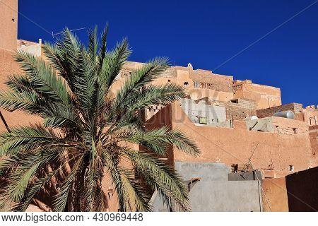 El Atteuf, Algeria - 02 Nov 2014: The View On The Medina Of El Atteuf City, Sahara Desert, Algeria