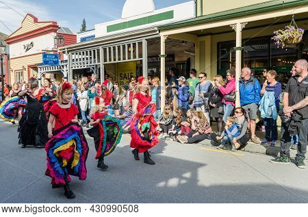 Arrowtown, New Zealand - April 23,2016 : There Is Parade Event During The Arrowtown Autumn Festival