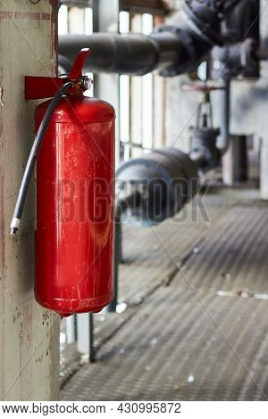 Fire Extinguisher Security Guard Equipment In Factory For Fire Protection System. Carbon Dioxide Fir