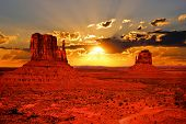 Beautiful sunrise over iconic Monument Valley, Arizona, USA poster