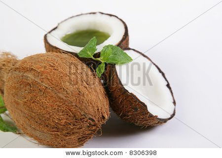 Fresh Coconut & Mint Leaves