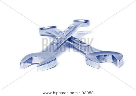 Crossed Spanners
