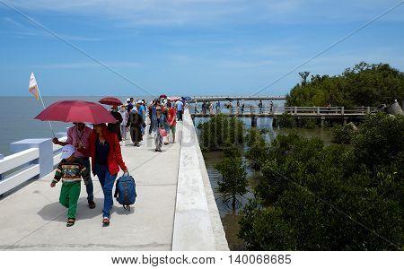 Tourist Travelling Dat Mui, Ca Mau