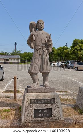 AKO JAPAN - JULY 18 2016: Statue of Okano Kanahide one of famous 47 ronins in the Oishi Shrine. Shrine is dedicated to 47 loyal samurais and is located on the grounds of Ako Castle
