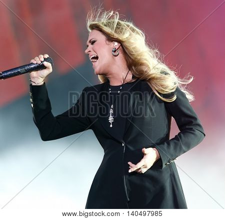 NEW YORK-SEPT 27: Country music singer Carrie Underwood performs onstage at the 2014 Global Citizen Festival to end extreme poverty by 2030 in Central Park on September 27, 2014 in New York City.