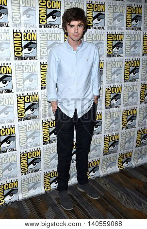 LOS ANGELES - JUL 22:  Freddie Highmore arrives to the Comic Con 2016 -