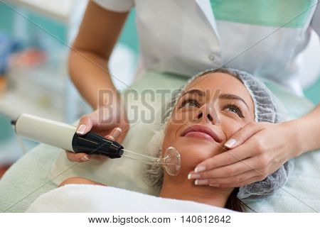 Beauty treatment of face, high frequency infrared spot remover