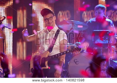 NEW  YORK-NOV 13: Jack Antonoff of Bleachers performs on stage at VH1's 2nd Annual 'You Oughta Know Live In Concert' 2014 at Hammerstein Ballroom on November 13, 2014 in New York City.