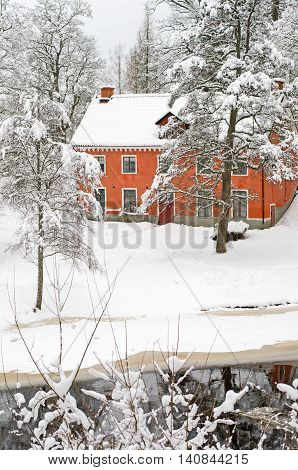This beautiful traditional style Swedish villa is ready for Christmas.
