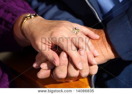 Altes Paar Hände