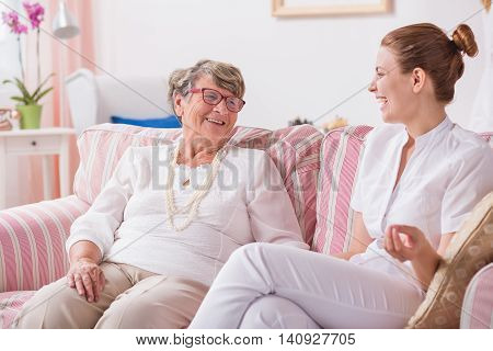 Having No Problems With Intergenerational Communication