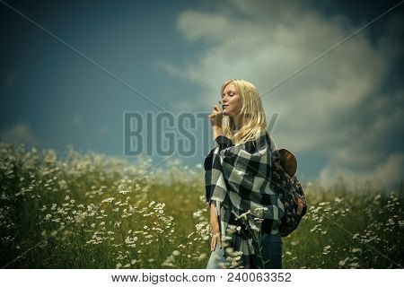 Spring, Woman In Chamomile Field. Womens Day, Mothers Day, Beauty. Chamomile Flower, Nature And Envi