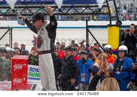 May 06, 2018 - Dover, Delaware, USA: Kevin Harvick (4) wins the AAA 400 Drive for Autism at Dover International Speedway in Dover, Delaware.