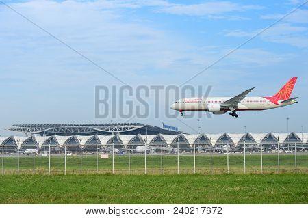 Bangkok, Thailand - July 30, 2017: Boeing 787-8 Dreamliner Vt-ani Of Air India Landing At Suvarnabhu