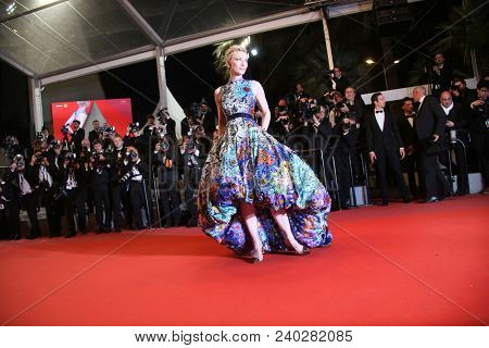 Cate Blanchett  attends the screening of «Cold War» during the 71st annual Cannes Film Festival at Palais des Festivals on May 10, 2018 in Cannes, France.