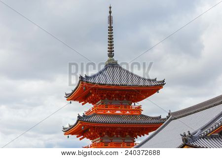 Close-up Focus Pagoda Kiyomizu-dera Temple In Kyoto, Japan. Attracting A Large Number Of Visitors An