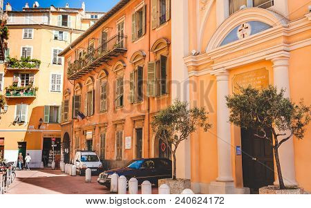 Nice, France - October 13, 2009: Chapel And Typical Historic Buildings In Old Town Of Nice