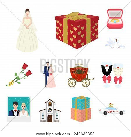 Wedding And Attributes Cartoon Icons In Set Collection For Design. Newlyweds And Accessories Vector