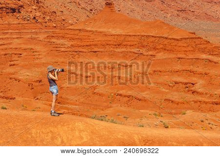 Monument Valley, Arizona, Usa- 02 September 2017: Woman Taking Picture In The Monument Valley, Navaj
