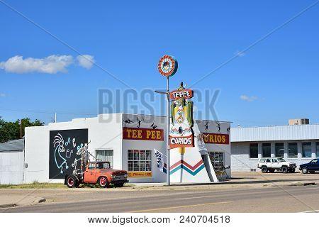 Tucumcari, New Mexico - July 21, 2017: Iconic Tepee Curios Tourist Souvenir Shop On Old Route 66, Th