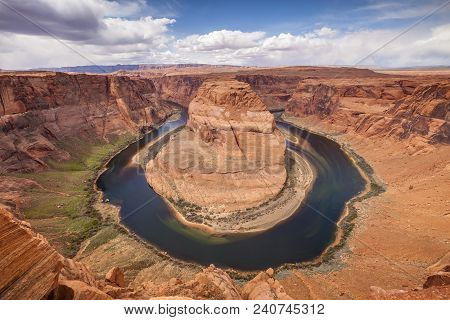 Horseshoe Bend, A Meander Of The Colorado River In The Glen Canyon Area Of Arizona.