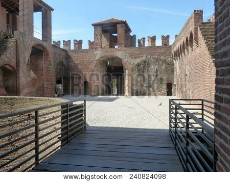Castles Of Italy - View Of The Medieval Castle Of Soncino In The Province Of Cremona - Italy 71
