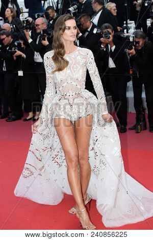 CANNES, FRANCE - MAY 13: Izabel Goulart attends the screening of 'Sink Or Swim (Le Grand Bain)' during the 71st annual Cannes Film Festival at Palais des Festivals on May 13, 2018 in Cannes, France.