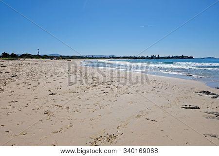 Beautiful Empty Endless Beach In Wollongong, Australia