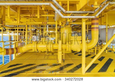 Offshore Pipeline, Riser And Sealine On Oil And Gas Wellhead Hub Remote Platform, The Central Facili